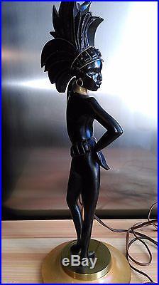 ANCIENNE LAMPE AFRICANISTE EN BOIS LAQUÉ NOIR ET LAITON DORÉ 1960's