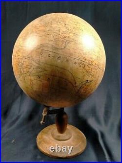 Ancien Globe Terrestre Dressé par J. Forest, Editeur Girard et Barrère, Paris