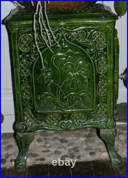 Ancien Poêle à bois en fonte verte émaillée ART DECO