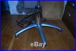 Ancien fauteuil de coiffeur bois courbé skai vintage art deco métal chaise table