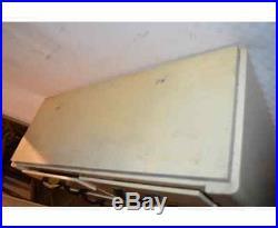 Ancien meuble de dentiste en fer, le plateau est en bois