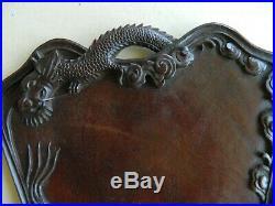 Ancien plateau Chinois, bois de fer avec des dragons