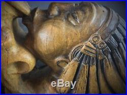 Ancien rare serre livres en bois sculpté, statuette couple indien fument Signé