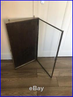 Ancienne vitrine objets collection curiosité magasin Porte Menus Art Deco