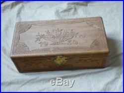 Boite à gants artisanale en bois gravé 1930 motif Art Déco