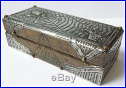 Boite à timbres en bois et étain ART DECO vers 1920 araignée mouche insecte