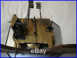 Carillon ODO 24 en bon état de fonctionnement 6 tiges et 10 marteaux. 2 mélodies
