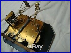 Carillon ODO 24 en très bon état et qui fonctionne. 8 tiges 8 marteaux