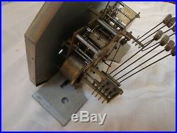 Carillon ODO 30 en très bon état et qui fonctionne. 8 tiges 8 marteaux
