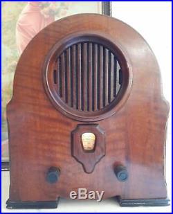 Élégante radio art déco en bois précieux