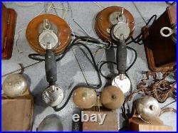 Ensemble De Telephone Ancien En Bois