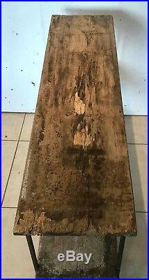 Étagère trois plateaux bois naturel ossature fonte de fer rond. XX siècle