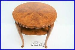 Guéridon style art-déco. Placage ronce de noyer H 60 cm D 60 cm table vintage