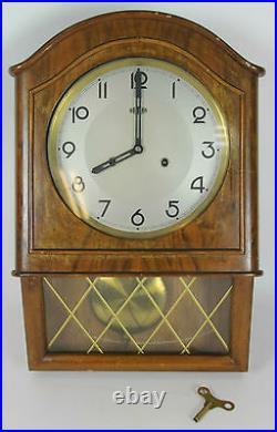 Horloge Murale Bois. Mark Roman. 20-30 Ans