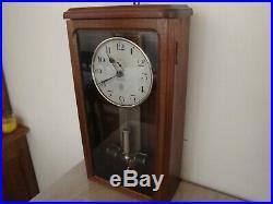 Horloge électrique ATO des années 1920 en bon état de fonctionnement(no Brillié)
