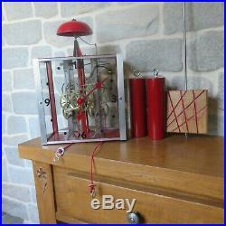 Horloge pendule comtoise contemporaine moderne, clock, orologio, uhr