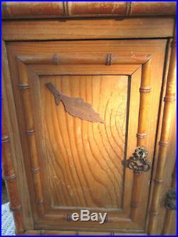Jouet, Meuble de poupée 1930, armoire à glace biseautée, 3 tiroirs + 2 portes