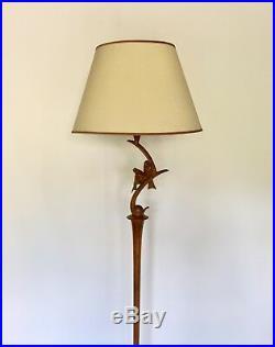 Lampadaire de parquet Art Deco en bois sculpté des années 1930. Décor animalier