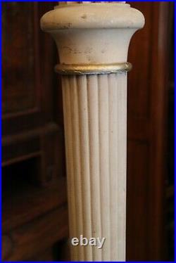 Lampadaire époque Art déco en bois massif sculpté à décor d'une flèche