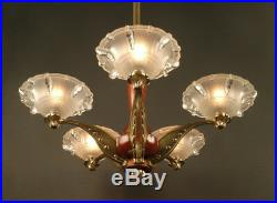 Lustre Art Déco Des Années 1930 En Bronze Et Bois / Chandelier Art Deco