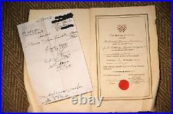 Magnifique bureau en noyer Danemark 1935 avec certificat de fabrication