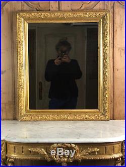 Miroir Ancien En Bois Et Stuc Doré 69 CM X 57 CM