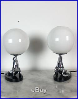 Paire De Lampes En Bronze Argenté Epoque Art Deco De Forme Otarie Socle En Bois