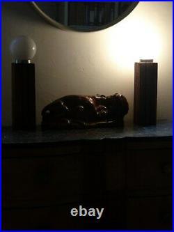 Paire lampes design vintage Art Deco brutaliste bois chene massif brut opalin