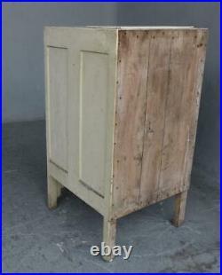 Petit meuble dit glacière en bois laqué d'époque 1930