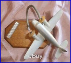 Porte photo pour bureau art déco avec avion aluminium bi-réacteur Socle chêne