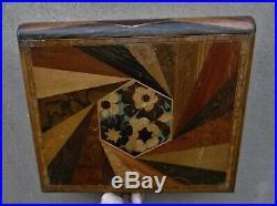 Rare grande boite forme livre d'époque art deco en marqueterieDanseuses nues