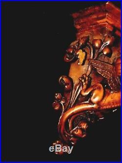 Sellette en Bois Sculpté à Décor de Dragon gothique étagère