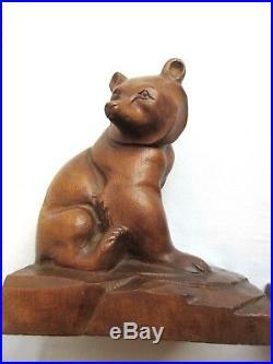 Serre-livres Art Déco en bois massif sculpté, signés J. TIXE Les OURS