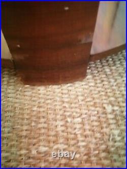 TABLE GUERIDON ROND-PLACAGE PALISSANDRE- Années 30-70Cm haut, diametre 66cm
