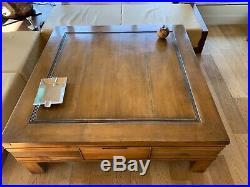 Tres belle table de salon en bois massif art déco
