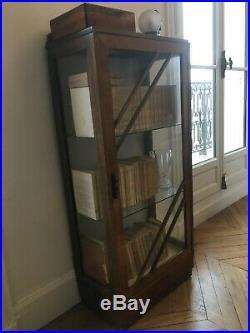 Vitrine art déco en parfait état, en bois et en verre (H127cm L57cm P32cm)